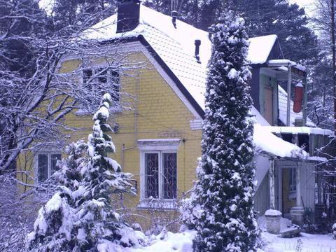 Уникальный кирпичный дом-усадьба в Обнинске поселок Мирный.