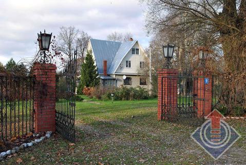 Жилой дом 189 м2 и баня на участке 43,5 сот. в д. Годуново, ул. Тихая