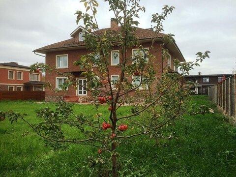 Предлагаем вашему вниманию добротный жилой коттедж на Новорижском .