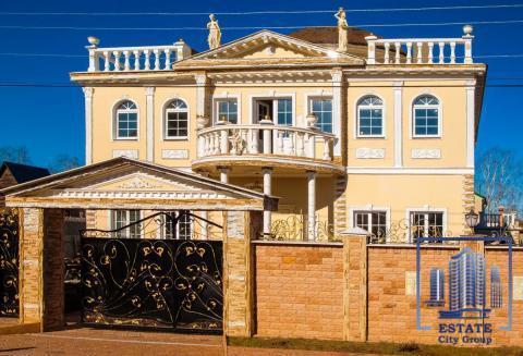 Представительский Дом дворцовой архитектуры в г. Королеве.