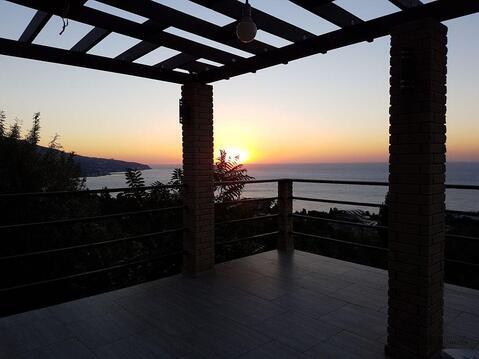 Продам новый двухэтажный коттедж с видом на море выше Приморского парк