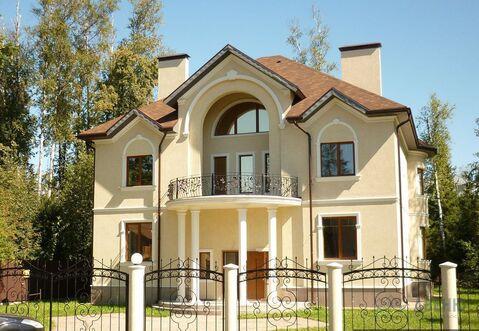 Основательный дом 450 кв.м. на лесном участке 40 соток. Магистральный .