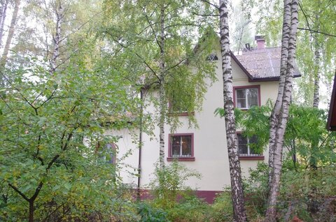 Продается дом 327 метров на участке 18 соток в черте города Королев