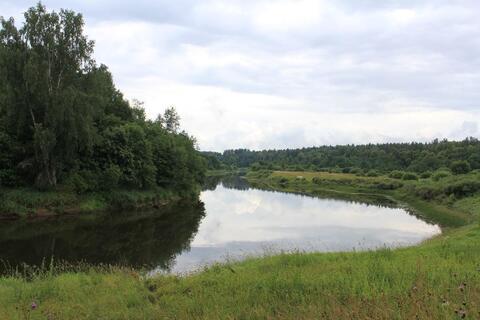 Участок на реке