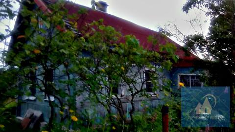 Дом в маленькой деревне недалеко от трассы