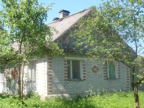 Кирпичный дом,3 просторные комнаты,2 печки,30 сот, озеро 3 км
