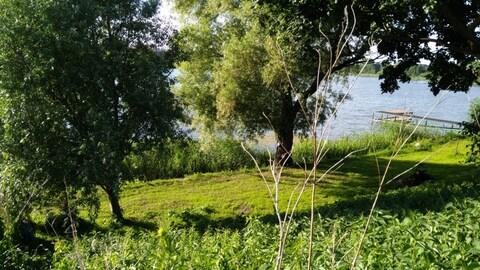 Шикарный участок на берегу озера