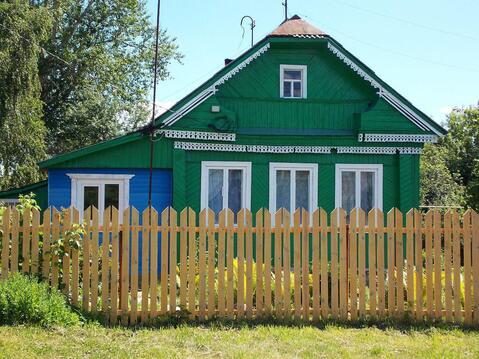 Ухоженный двухкомнатный бревенчатый дом в пос. Петровский