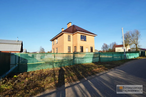 Капитальный 2-х этажный кирпичный дом в Волоколамске