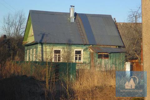 Большой крепкий дом, недалеко озеро