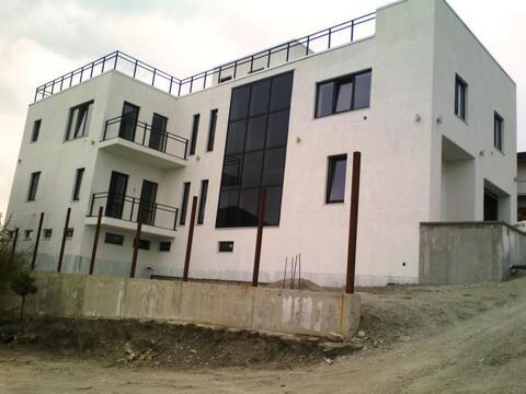 3-этажный дом 444 м2 в живописном месте 2 км. до моря в Новороссийске