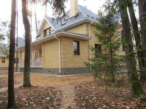 Стильный загородный дом на участке с лесными деревьями, Минское шоссе