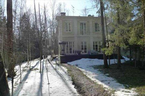Продается дом с великолепной отделкой 213 кв.м. на участке 9 соток в .