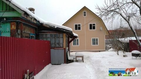 Брусовой дом 9х9 и 1/2 дома в поселке городского типа, 8,3 сот.