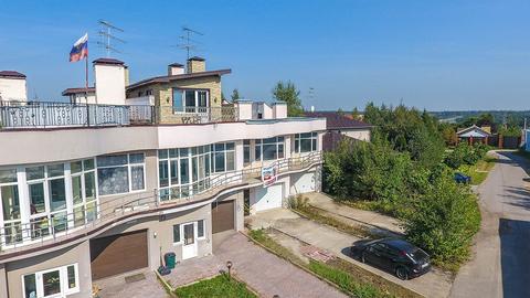 2-х этажный (3-х уровневый) таунхаус 233 м2 на 2 сотках ИЖС