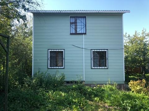 Двухэтажный садовый домик с участком в ст