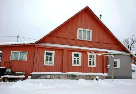 Уютный обжитой дом в черте города