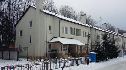 Продается 2 этажный таунхаус в охраняемом коттеджном посёлке Тарасовка