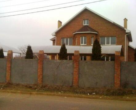 Дом на берегу живописного озера, 2 км от города, на участке 20 сот