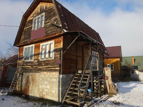 Участок с дачным домиком, в элитном посёлке.
