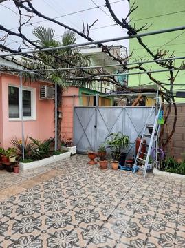 Дом в Алупке с собственным двором