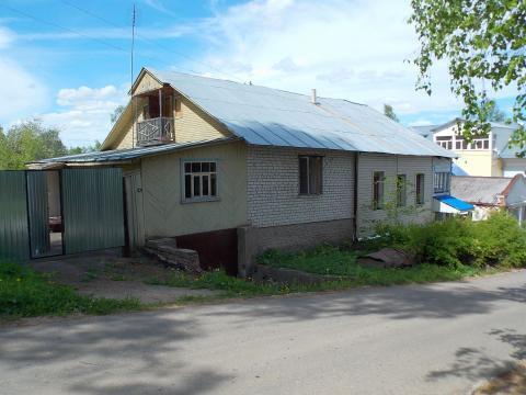 Кирпичный дом на второй линии от Волги в г. Плес