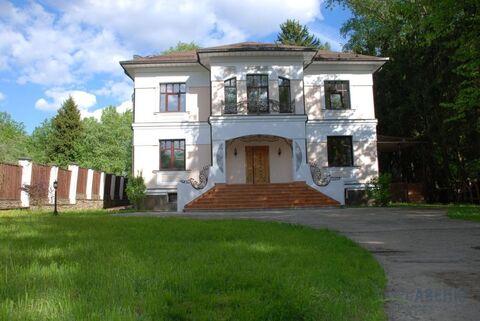 Современный полностью с отделкой дом 900 кв.м, на участке с вековыми .