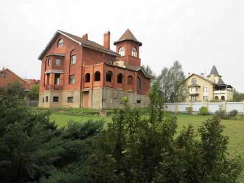Особняк 588 кв.м на участке 36 соток. 57 км от МКАД по Минскому шоссе.