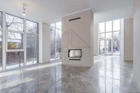 Современный дом с панорамными окнами и вторым светом, ИЖС, Апрелевка.