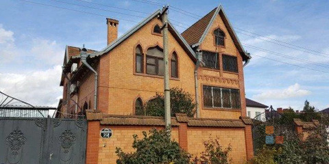 Дома домовладение, 9 комн, общ. пл. 406 м2, участок 8.6 сот, .