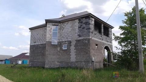 Продается блочный 4-комнатный двух этажный дом