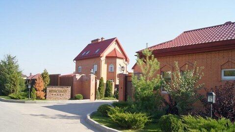 Предлагаем Вам коттедж площадью 4-уровнего-кирпичного дома: 303+100кв. .