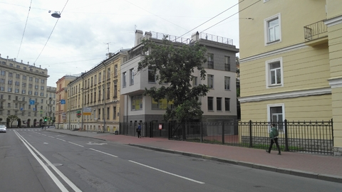 Продажа Отдельно стоящего Здания (осз) в Центре возле Смольного собора