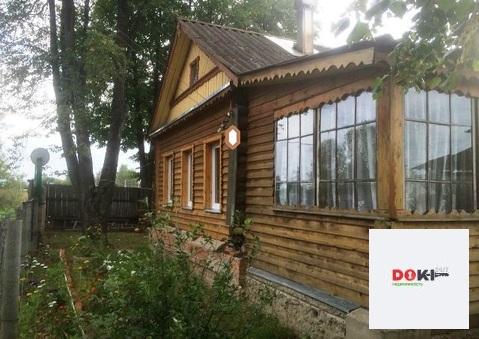 Бревенчатый дом в поселке Павлова