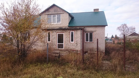 Дом в пгт Духовницкое, ул.Заводская.