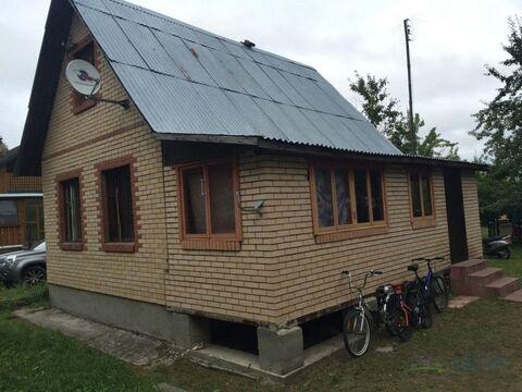 Добротная двухэтажная дача, общей площадью 75 кв.м на участке 7,5 .