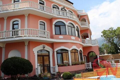 Предлагаем купить дом в Ялте по ул. Садовая. Общая площадь виллы 4