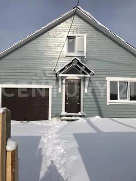 Продается двухэтажный брусовой дом.