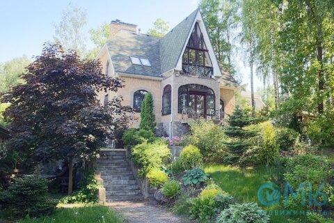 Продам дом в коттеджном поселке Лукоморье.