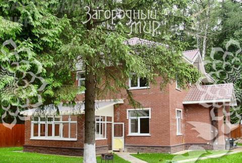 Кирпичный дом. Новорижское ш, 28 км от МКАД, Падиково.