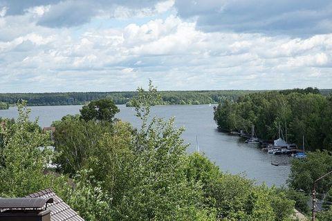 Продается красивый дом, с видом на Пироговское водохранилище, 10 км. .