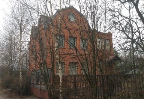 Продается 3х этажная дача 160 кв.м. на участке 7.3 сотки