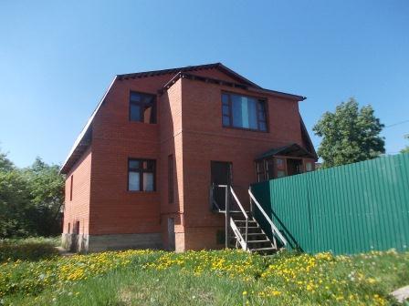 Продается 2-х этажный дом 144 кв.м. на участке 6 соток
