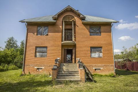 Мытищинский район, продается дом 400 кв.м, без отделки.