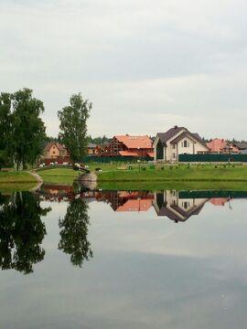 Продается земельный участок в поселке Медвежье Озеро