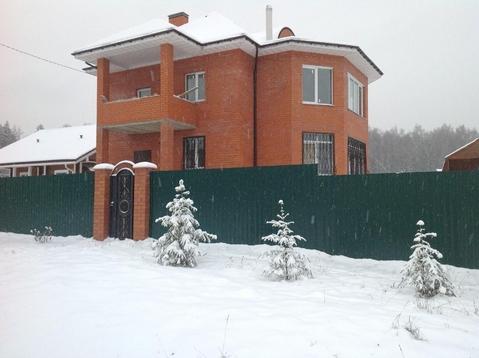 Новый современный жилой коттедж на 15 сотках в кп рядом с деревней .