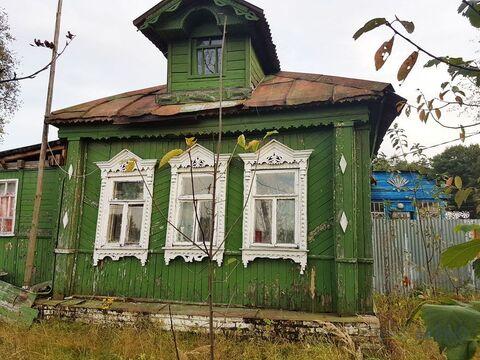 Дом старой постройки площадью 32 кв.м в деревне. Участок 10 соток. .