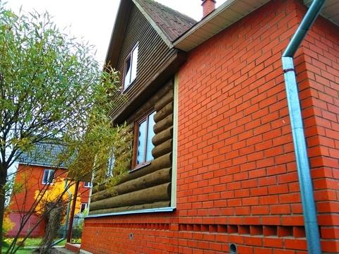 Дом рубленый из зимнего леса