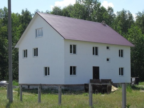 Предлагаем дом в поселке Песчаном возле озера.
