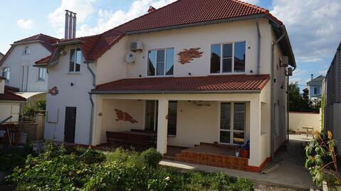 Новый дом в жилом районе Мысхако с евроремонтом.